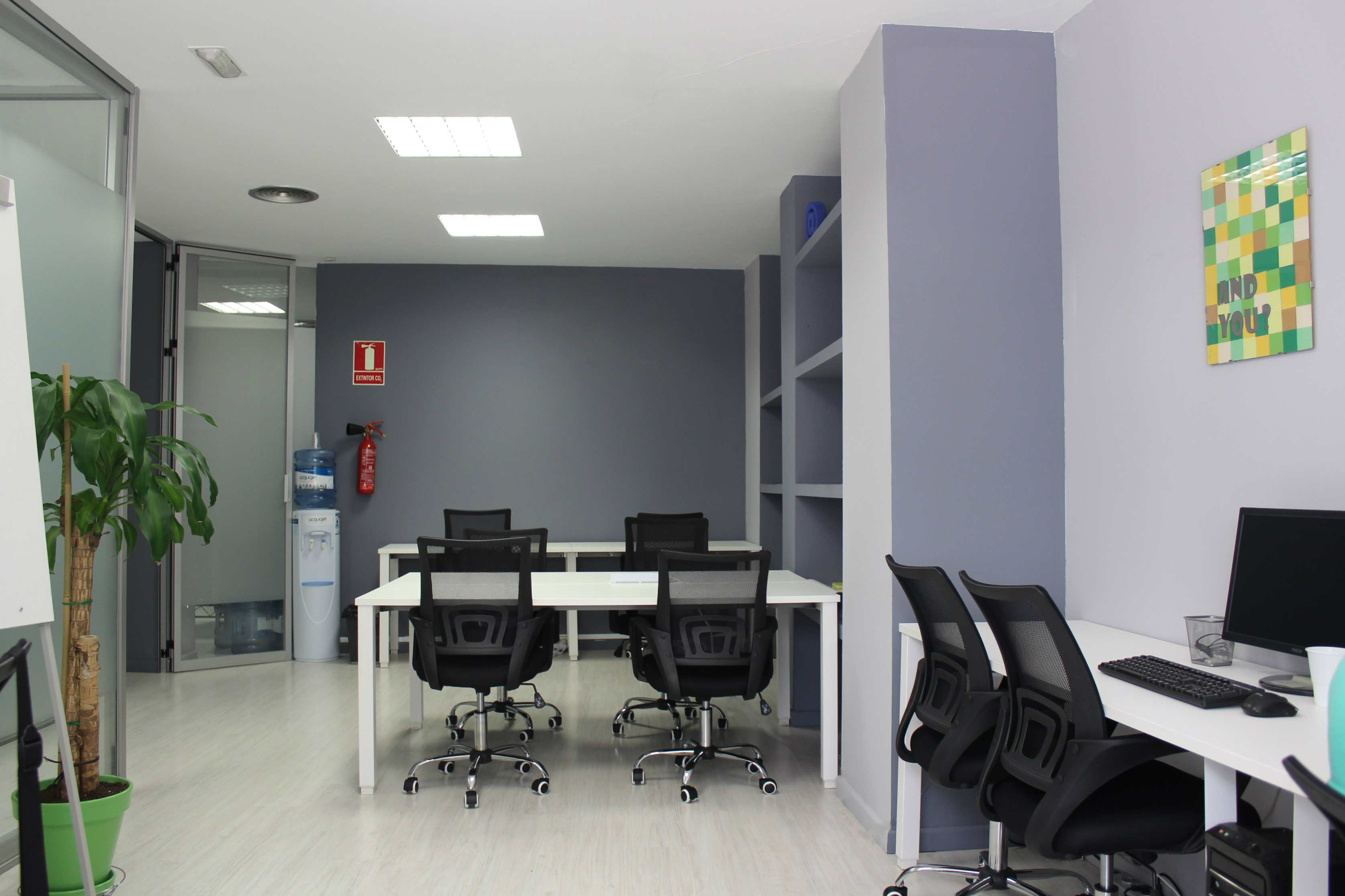 Oficina 2 corregida - Nuestras Instalaciones